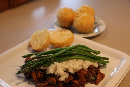 Corn Cheddar Muffins with Pulled Pork Chili